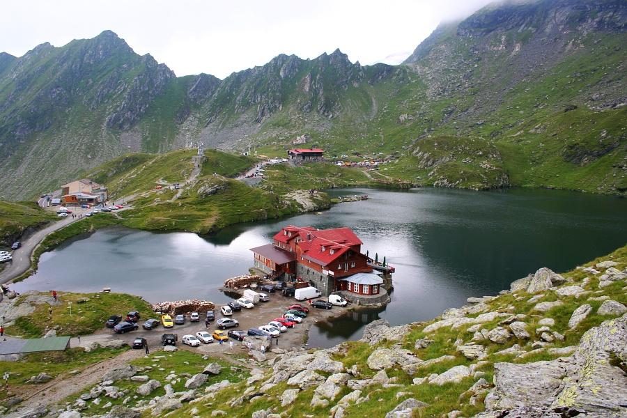 Balea Lac, il lago glaciale dei monti Fagaras in Romania